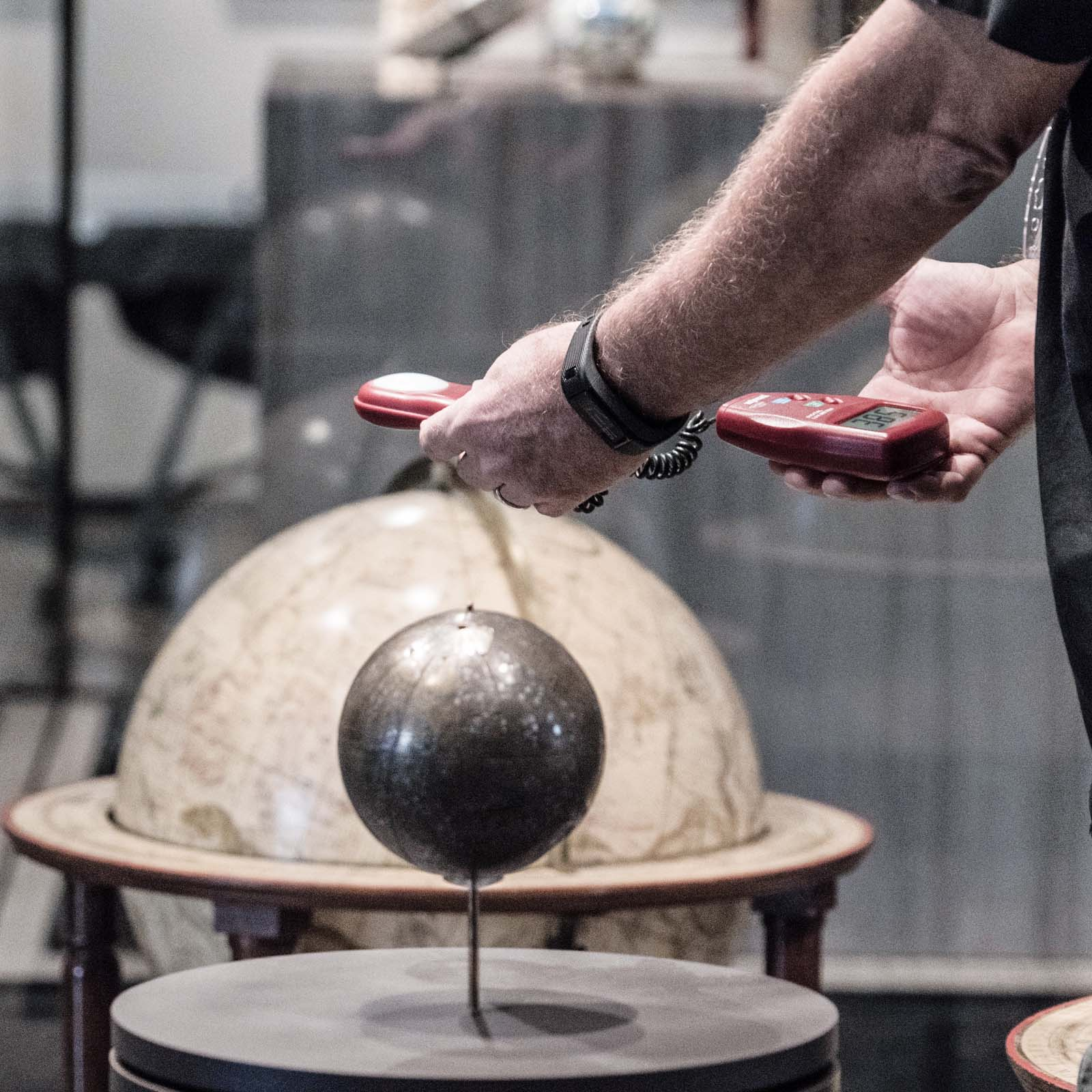 Training During the installation of the exhibition Globes, Vision of the World, Preventative Conservation, Cultural engineer